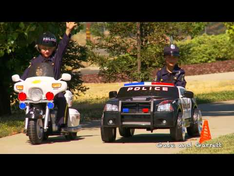 Kids Police Motorcycle – Unboxing, Race, and Review!