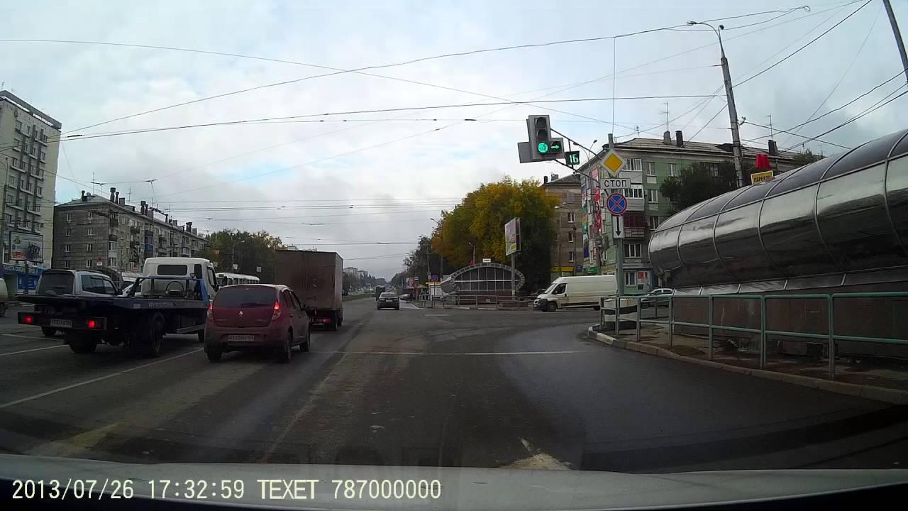 Водитель Хонды решил проскочить перекресток на красный г. Самара
