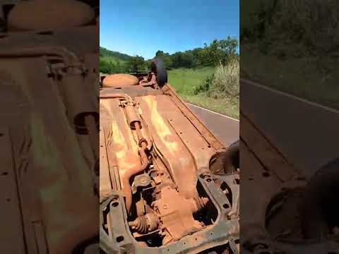 Capotamento de veículo entre Barbosa Ferraz e Corumbataí do Sul