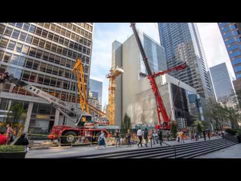 Dans la ville de New York, la nouvelle grue à flèche relevable 710 HC-L Liebherr prend ses fonctions