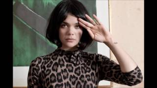 Bat For Lashes - Pearls Dream (Skream Remix)