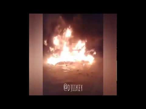 Видеофакт: В Якутске сгорел автомобиль на глазах хозяина