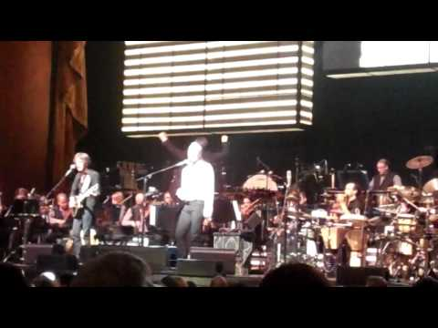 Sting concert in NY with Royal Philharmonic Orchestra (Every Breath You Take)