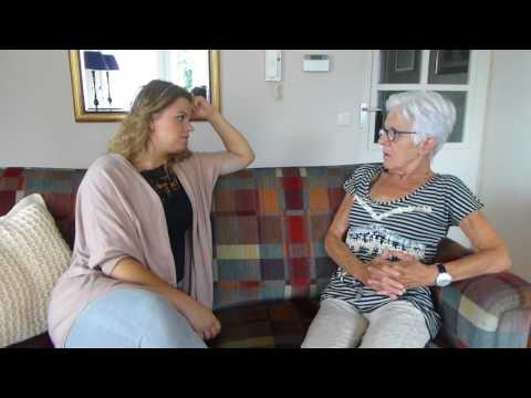 Carrousel video: Eline van Wijngaarden vertelt waarom ze haar werk in de thuiszorg zo leuk vindt.