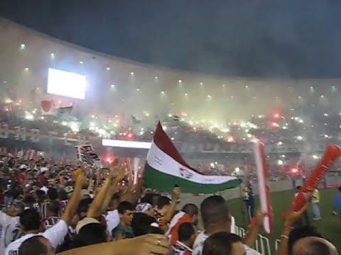 """""""Flu x LDU Fogos inesquecíveis, entrada dos times e gritos da torcida! Final Copa Libertadores 2008."""" Barra: Movimento Popular Legião Tricolor • Club: Fluminense • País: Brasil"""