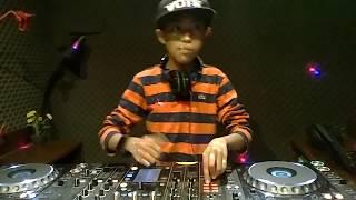 DJ Cilik Skillnya Mantap