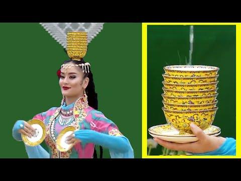 Uyghur plate dance - Jan Balixan