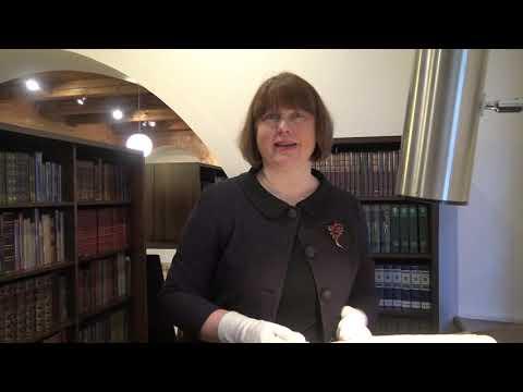 """K. Varnelio kolekcionuotos knygos: """"auksinis"""" šriftas ir elitinės spauda"""
