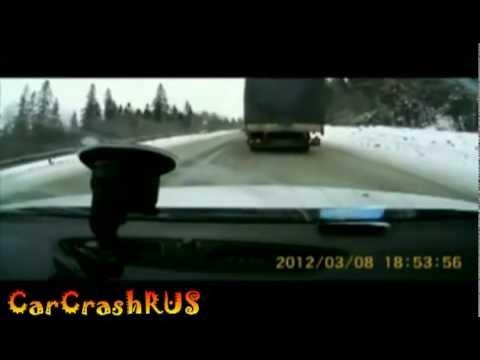 Компиляция аварий на дорогах России / видео