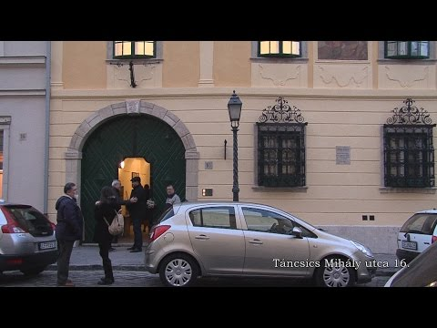 2015-ben felújított Vári épületek - video preview image