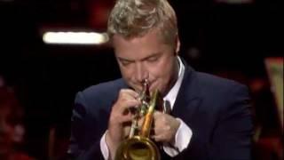 "Chris Botti feat. Lisa Fisher & Sinfonia Varsovia - ""The Look of Love"" (cond. Adam Sztaba)"