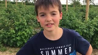 VLOG:Во саду ли,в огороде???Выросла Клубника.....