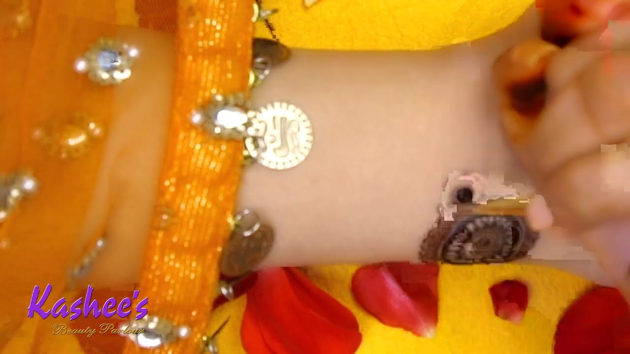 stylish mehndi design for festivals by kashees beauty parlor
