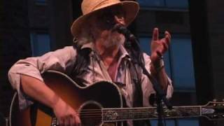 <b>Arlo Guthrie</b> Being Hilarious  Including Coming Into Los Angeles
