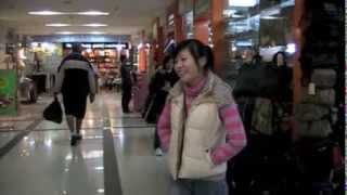 preview picture of video 'Xinyang Knock Off Market, Shanghai, China'