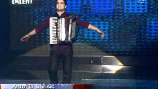 Supertalent Aleksandar (harmonika).mpg