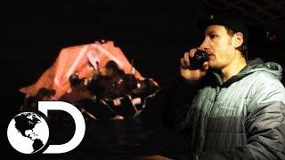 Capitán Neese salva a la tripulación del Arctic Hunter | Pesca Mortal | Discovery Latinoamérica
