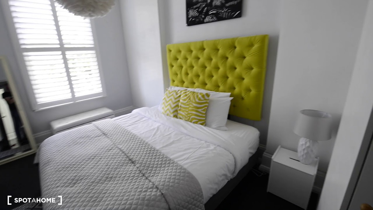 Stunning 3-bedroom flat to rent in Fulham