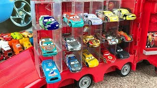 Cars 3 Mack Truck Garage Storag carry case Mcqueen and Jackson Storm - Play Car toy videos for kids