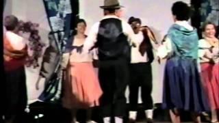 ריקוד השרלה - גשר הזיו(1 סרטונים)