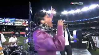 Jay Z & Alicia Keys - Empire State Of Mind (Live At World Series 2009 Game 2 Yankee Stadium)