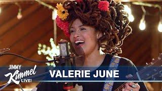Valerie June – Smile