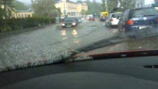 preview picture of video 'Unwetter - Strasse unter Wasser in bad vöslau'