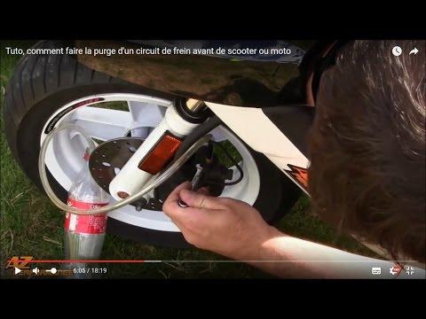 Effectuer la purge d'un circuit de frein avant de scooter / moto