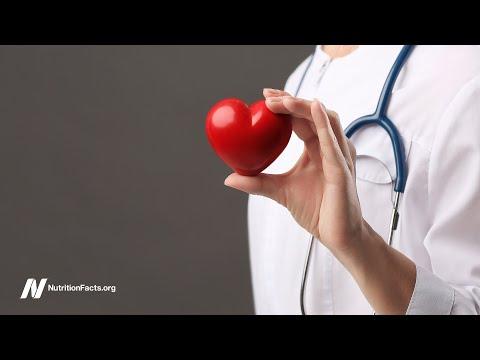 """ד""""ר גרגר מסביר: האמת על הסיכונים והתועלות של סטטינים להורדת כולסטרול"""