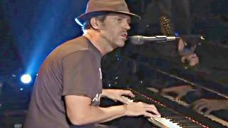 Hugh Laurie Band From TV 2008 Will It Go Round in Circles Billy Preston Original Bangladesh Charity