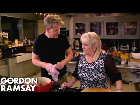 Spicy Braised Oxtail, Chinese Style | Gordon Ramsay