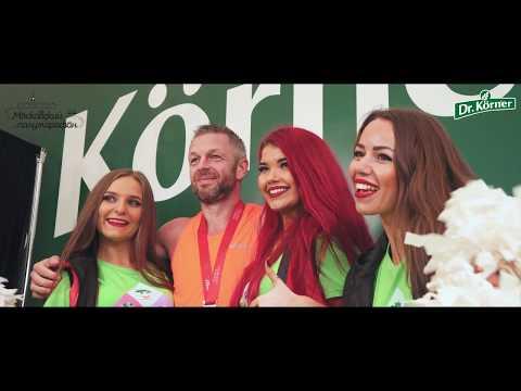 Черлидеры Lucky Demons Cheerleaders на стенде Dr.Korner на Московском Марафоне 2018