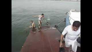 preview picture of video 'السباحة في شط العرب'