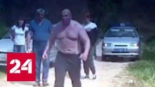 В Ставрополе нетрезвый водитель пытался напугать инспекторов мощным  торсом - Россия 24