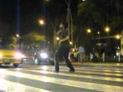 malabarista en el semaforo chiclayo phiero.