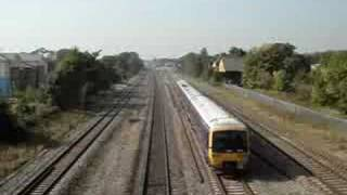 preview picture of video 'Fast train then slow train on Paddington Line'