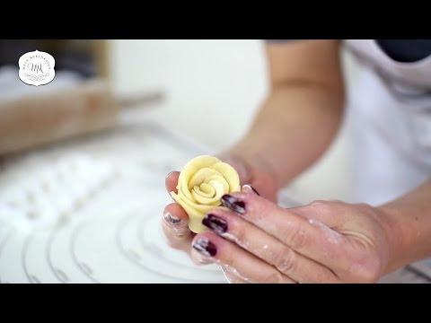 Keksrosen Selbermachen - der fmm Easy Rose Cutter für Plätzchen