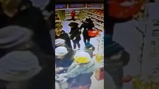Кража планшета в магазине
