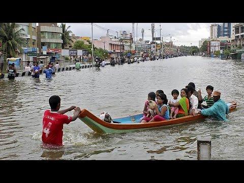 Ινδία: Εκατοντάδες νεκροί και σοβαρά προβλήματα λόγω πλημμυρών