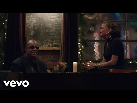 Stevie Wonder, Andra Day - Someday At Christmas