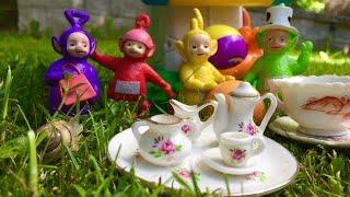 Garden TEA PARTY with TELETUBBIES TOYS!