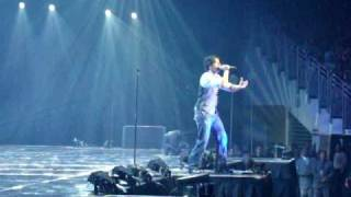 Luis Fonsi - Se supone ' en vivo '