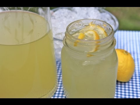 Easy Homemade Lemonade Recipe – Old Fashioned