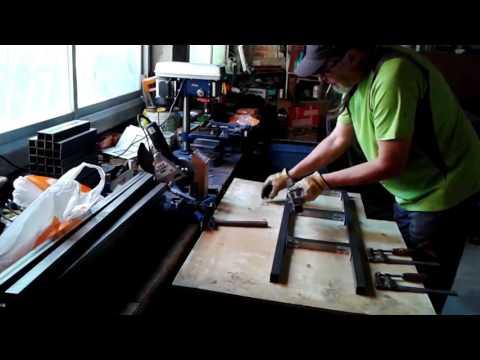 El Huerto de Txiki - Construcción de paneles metálicos para encofrar II