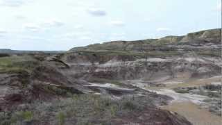 preview picture of video 'Badlands outside Royal Tyrrell Museum, Drumheller, Alberta'