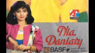 Download lagu Nia Daniaty Masih Adakah Rindu Mp3