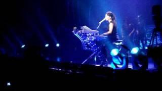 Alicia Keys - Love is Like the Sea live(Antwerp1505)