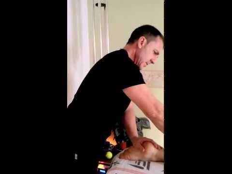 Masaje de pies masculino