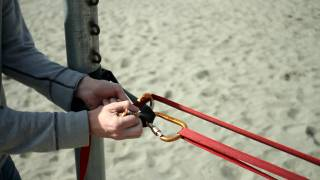 "HOWTO: setup a slackline using the 4 carabiner ""primitive"" method"