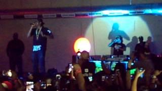 """2 Chainz Live """"Dope Peddler"""" 10/26/13"""